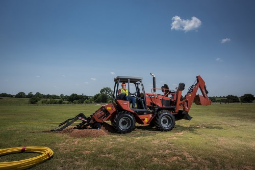 Scavatrice con operatore a bordo Ditch Witch RT105M