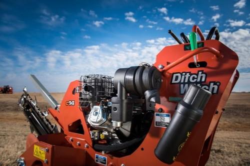 Scavatrice con operatore a terra Ditch Witch C14